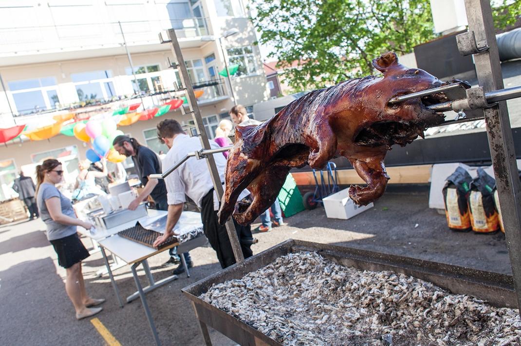 Helgrillet gris fra 30-årsjubileum/sommerfest 2015.