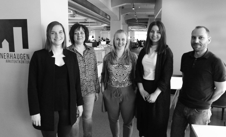 Fem nye medarbeidere presenteres på kontoret
